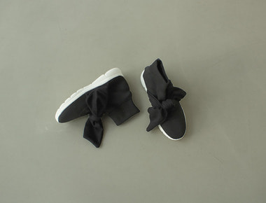 K722 Knit ribbon sneakers