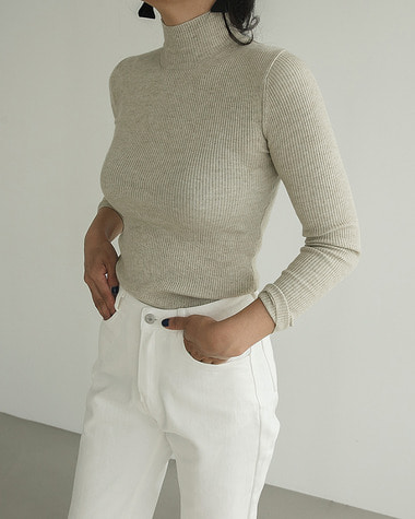 Low high neck knit