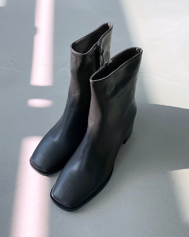 MS904 Square ankle boots