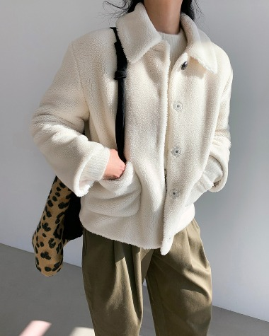 Teddy bear pocket jacket